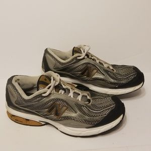 New Balance Shoes - New Balance 560 men's shoes size 9.5 4E wide